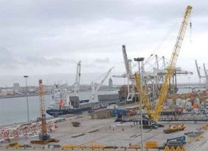 image: South Africa container shipping terminal port strike bulk cold store TEU