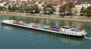 image: Rhine shippers water levels barge buses cargo German Ministry of Transport Rotterdam Duisburg traffic freight rate increases passenger waters tonnages borne drought