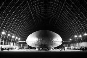 image: Russia Aeros Zeppelin freight forwarder Bertling transporting cargo airships logistics