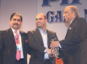 image: Pakistan freight forwarder friendly award container shipping line Safmarine