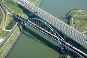image: Netherlands rail freight port cargo