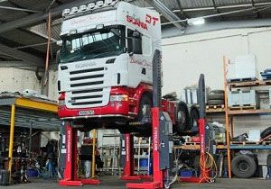 image: UK road haulage truck lifts hydraulic Davison TOTALKARE