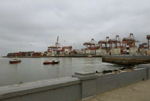 image: Peru vessel traffic system fog mist modes of transport Port of Callao HGV radar oil spill