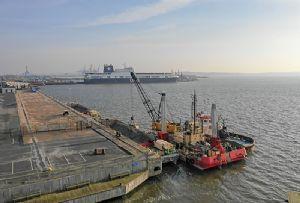 image: Sweden, transport, Port, of, Gothenburg, construction, emissions, environmental,