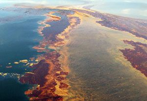 image: US oil and gas platform pollution cargo vessels Clean Water Act EPA the Outer Continental Shelf Lands penalty