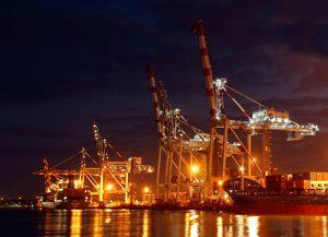 image: Liebherr container ship port crane freight tonne