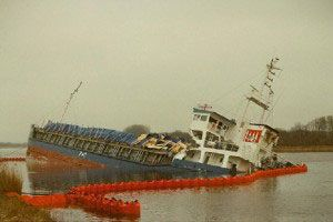image: Germany Kiel Canal closed accident cargo vessel container ship