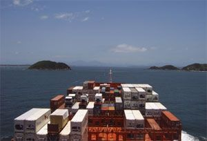 image: Asia South America container shipping TEU reefers port rotation