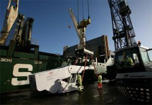 image: UK Teesport China freight forwarding cargo tonnes heavy lift vessel