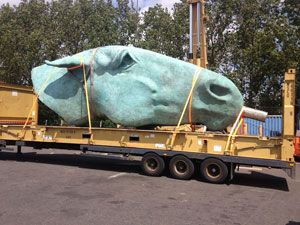 image: Tuscor Lloyds horse head container shipping of out of gauge project freight sculpture