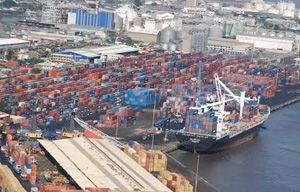 image: Nigeria shipping import container freight forwarding box forge customs documents