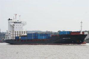 image: Somalia US pirates AK47 dry cargo freight container