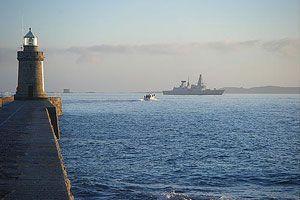 image: Guernsey air freight VAT avoidance crane bulk cargo export import