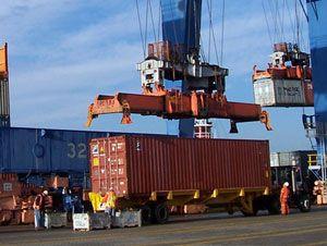image: US container shipping East Coast freight forwarding strike USMX ILA union BIFA