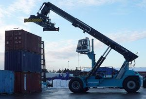 image: Kuwait Finland freight shipping container port handling