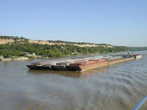 image: Paraguay Uruguay FCL freight forwarding LCL consolidated cargo logistics barge