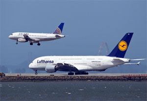 image: US Europe transatlantic United Airlines Lufthansa cargo transport air freight