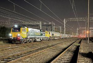 image: UK, Freightliner, Jumbo, freight, train, cargo, aggregates, Network Rail, Tarmac, transporting, stone, infrastructure,