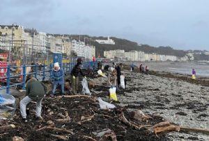 image: UK, Isle of Man, Beach Buddies, PlasticBusters, detritus, maritime, rubbish, junk, clean, beaches, pollution, shipping, App, Eyesea,
