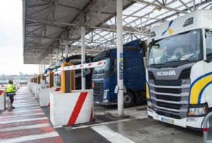image: France, UK, Eurotunnel, Customs, clearances, SGS, border, TransitNet,