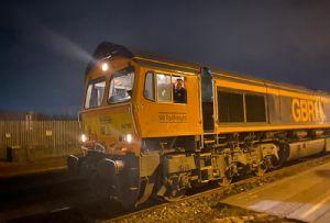 image: UK, Port, Felixstowe, BG Railfreight, Maritime, transport, HGVs, rail, service, rake, IKA Twins,