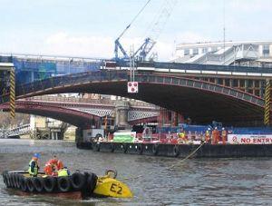 image: Thames, tits