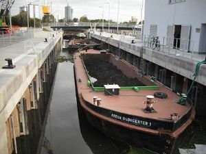 image: UK, Barges, The Green Barge Company, Olympic Park, 2012 Olympics, BAM Nuttall, British Waterways, Kim Milnes, Three Mills Lock
