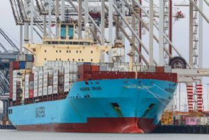 image: UK Latin America Europe Maersk DP World Bananas freight reefer containers Fyffes