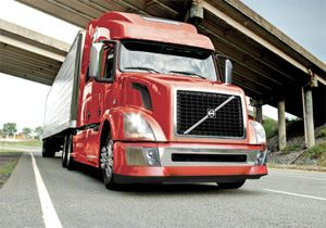 image: US truck freight SuperTruck fuel efficiency CO2 emissions Mack Volvo