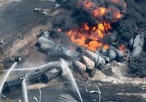 image: US Canada Lac-M�gantic rail freight disaster cargo flammable dangerous FRA
