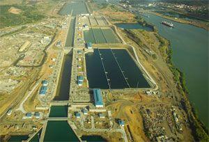 image: Panama Canal leaky lock Cocoli seepage