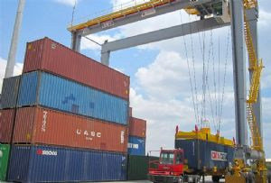 image: Somaliland Ireland RTGs rubber tyred gantry cranes deep water container port Berbera Doraleh Liebherr DP World