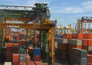 image: Asia shippers shipping container TEU FEU rate increase importer exporter