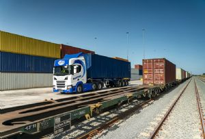 image: UK, US, Germany, Australia, freight, logistics, fork lift, truck, maritime, narrow aisle, articulated, rail, London Gateway, road safety, ballast water, treatment,