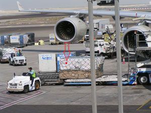 image: US American Airlines cargo air freight sensor based tracking monitor OnAsset Flightsafe