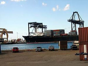 image: Hong Kong Hawaii freight forwarding groupage LCL container shipping consolidation