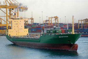 image: Somalia Albedo sinks pirate captive cargo freighter
