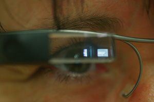 image: DHL smart glasses Supply Chain Specialists freight picking