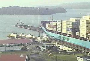 image: Panama canal container vessels cargo tonnes Neopanamax ships