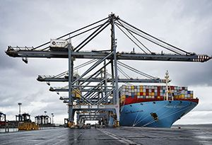 image: DP World port tonnages cargo freight TEU