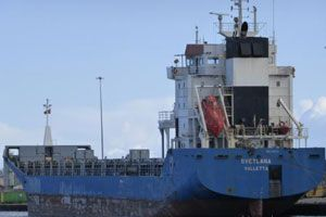 image: UK Svetlana Russian Malta ITF bulk freighter coastguard