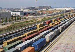 image: Spain Hutchison port Barcelona TEU cargo intermodal freight terminal