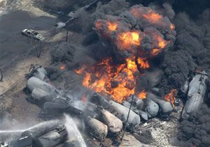 image: Bakken crude oil disaster freight train of Lac-M�gantic