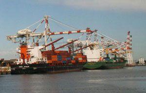 image: Maersk Argos container shipping line bulk cargo ocean freight TEU box carrier