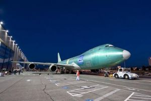 image: 747-8
