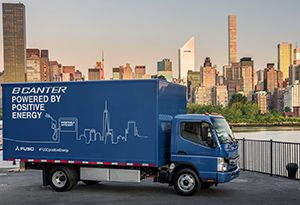 image: US New York electric truck freight logistics Fuso eCanter 7.5 Tonner Daimler