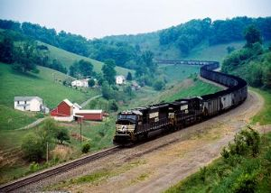 image: USA, rail freight, haulage, logistics, Franklin County, Crescent Corridor initiative, Norfolk Southern, trains, trucks, lorry, freight, Wick Moorman, intermodal, containers, trailers, Greencastle, Pennsylvania