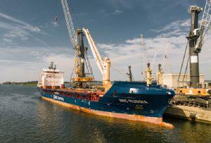 image: Germany, Liebherr, crane, maritime, Ghana, ship,