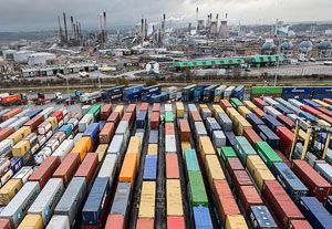 image: UK Grangemouth port container freight strike Unite union TEU