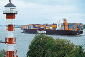 image: Hapag-Lloyd TUi freight container shipping TEU